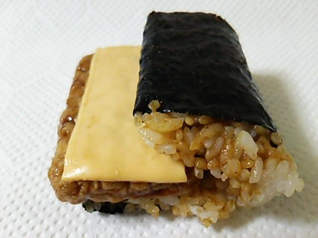 チーズ焼つくね横ナナメ上