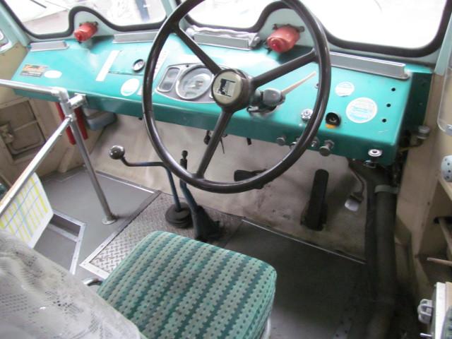 弁慶号運転席2
