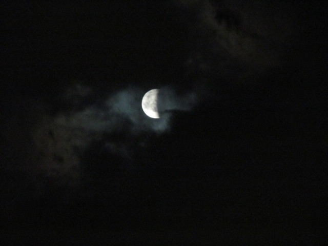 皆既月食20141008復活しはじめた月