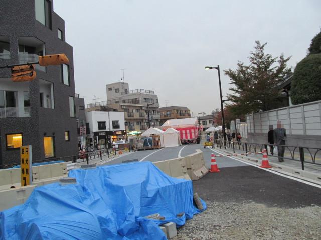 楽市楽座2014前日に世田谷通りから世田谷駅方面を見る