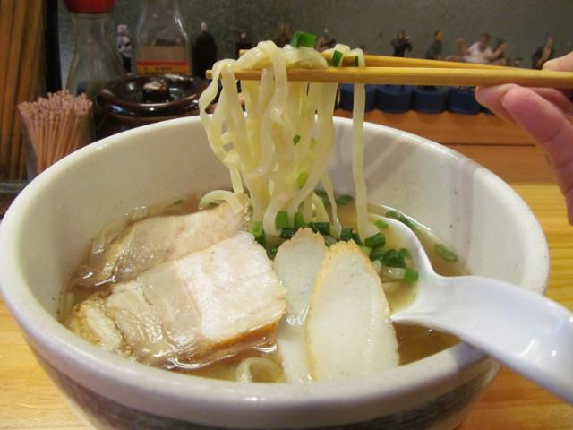 たいよう食堂の沖縄そばの麺