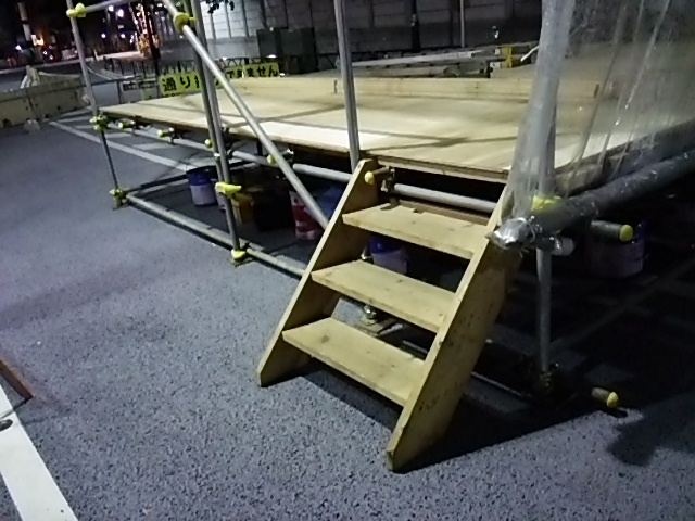 楽市楽座第2ステージへ昇降する階段