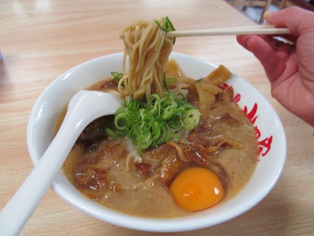 徳島ラーメン岩田家の麺