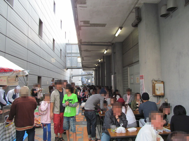 三茶de大道芸2014飲食スペースその2