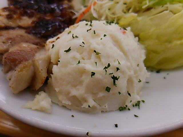 松屋豚テキ定食のポテトサラダ