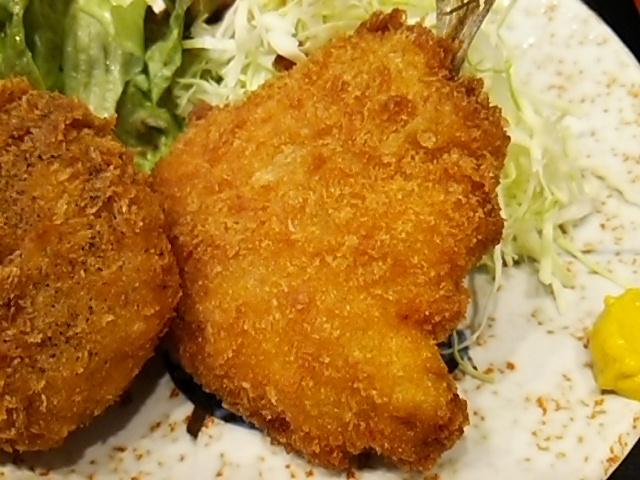 舟よしあじフライと牛肉コロッケセット定食のあじフライ