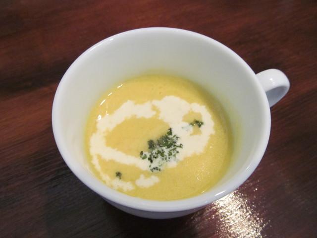 ロティサリーチキンランチのスープ