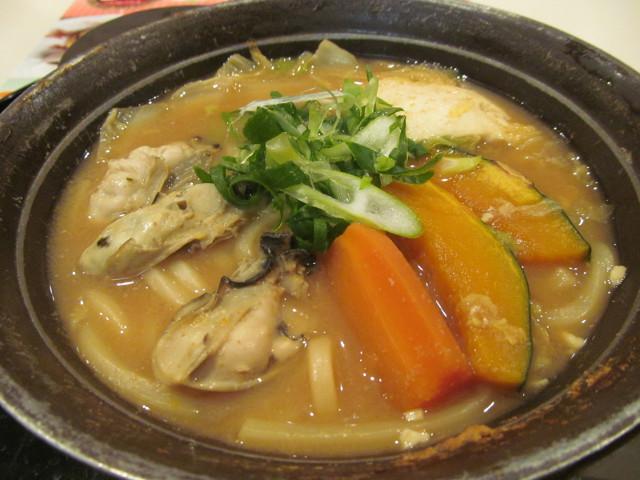 牡蠣味噌ちゃんこ鍋の鍋のアップその2
