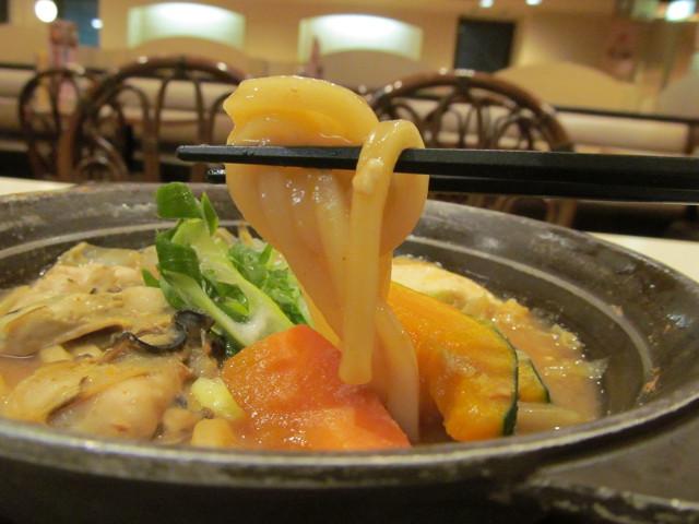 牡蠣味噌ちゃんこ鍋のうどん