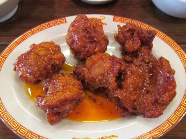 タイガー軒揚げ鶏の四川辛味だれ定食の揚げ鶏2