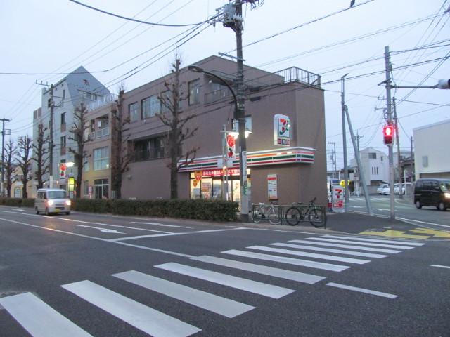 開店10分前のセブンイレブン世田谷桜小前店その2