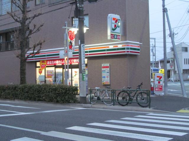 開店10分前のセブンイレブン世田谷桜小前店その3