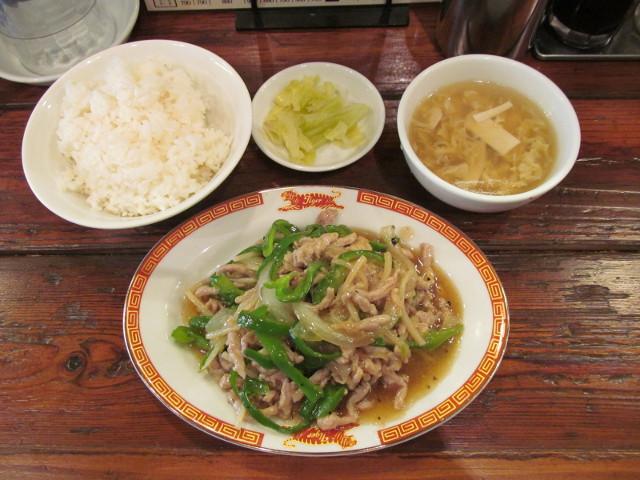 タイガー軒肉とピーマン細切り炒め定食