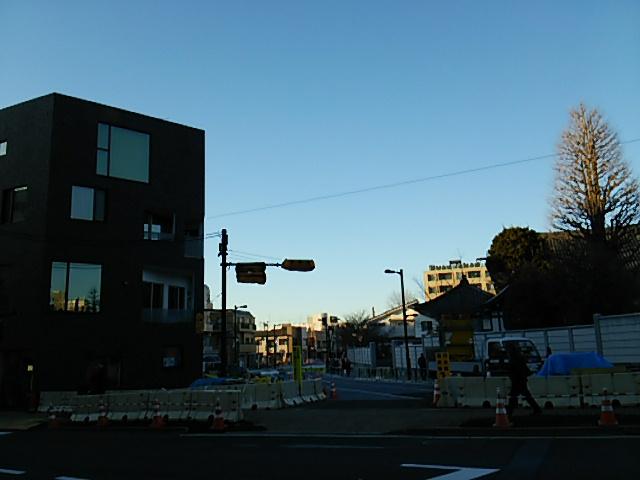 夕方4時半頃の信号機