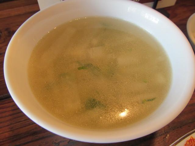 タイガー軒ぷっくり餃子定食のスープ