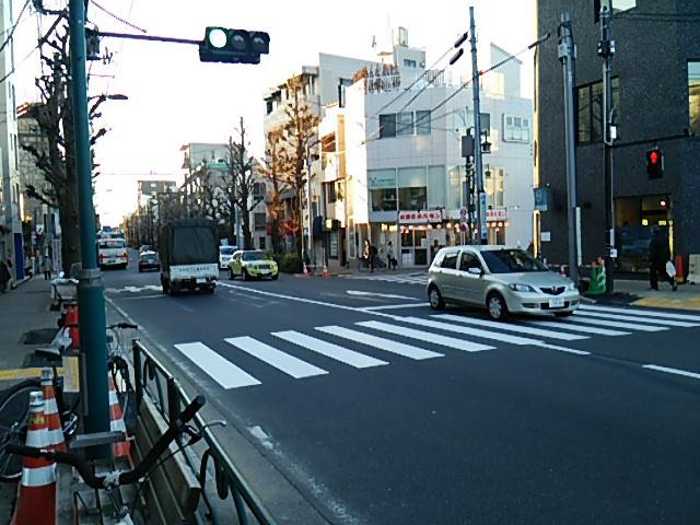 世田谷駅前交差点の新しい横断歩道