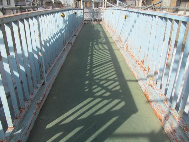 塗装前の歩道橋5