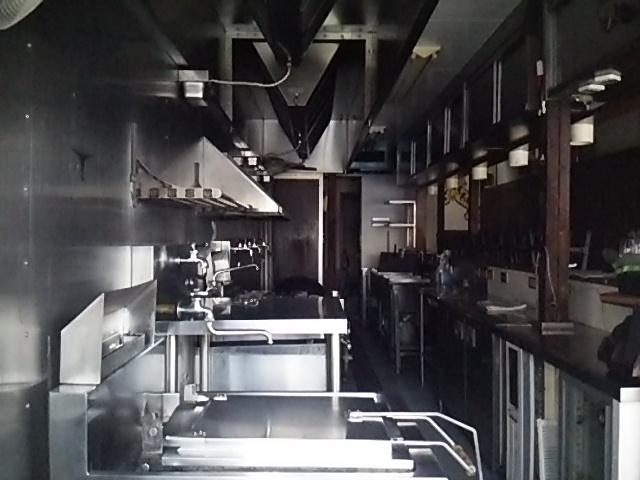 タイガー軒世田谷上町店の店内厨房側