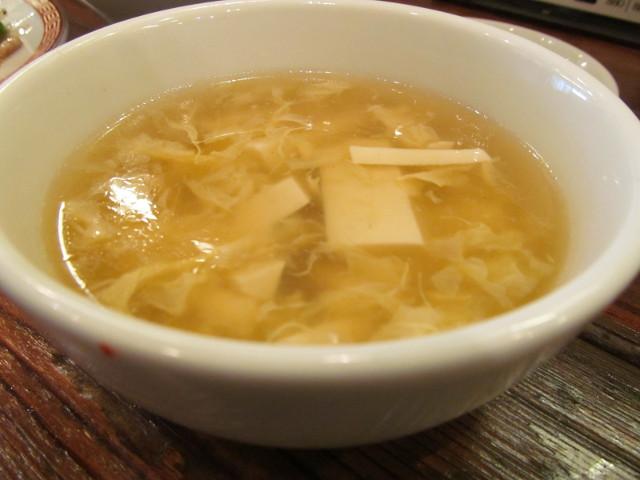 タイガー軒肉とピーマン細切り炒め定食のスープ