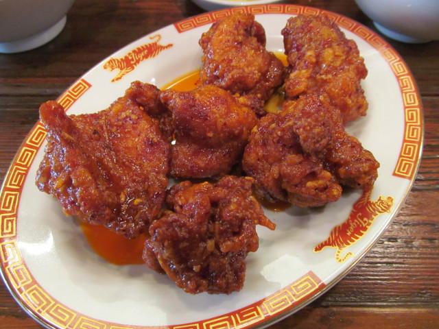 タイガー軒揚げ鶏の四川辛味だれ定食の揚げ鶏