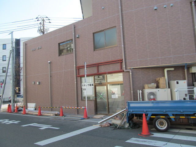セブンイレブン世田谷桜小前店工事中反対側
