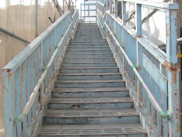 塗装前の歩道橋1