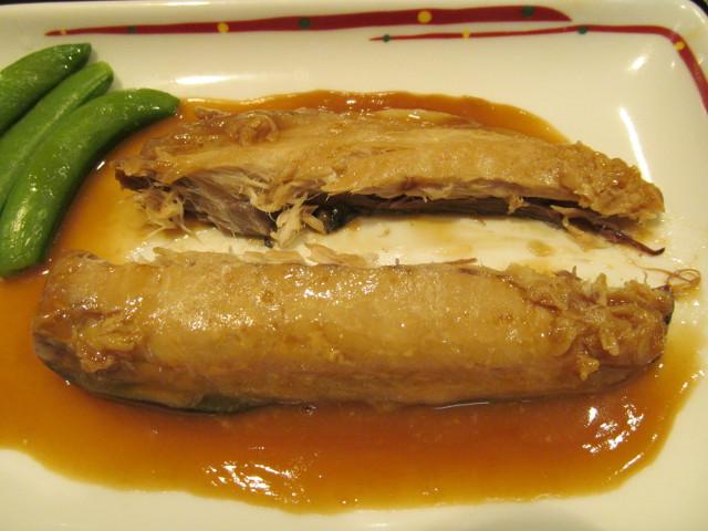 ガストさばの味噌煮和膳のさばを分割1