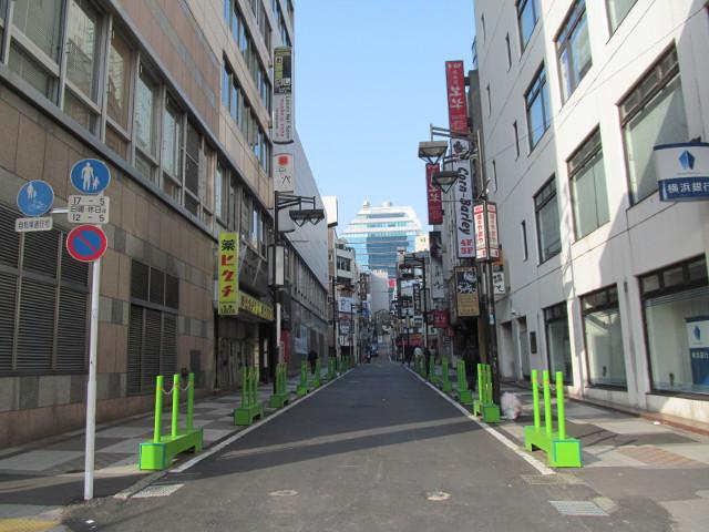 渋谷駅側から見た誰もいない渋谷中央通り2