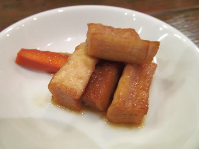タイガー軒玉子キクラゲ豚炒め定食の大根とにんじんの漬物