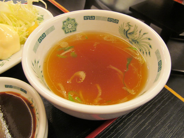 日高屋イワシフライ餃子セットのスープ