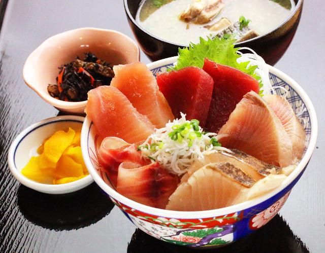 早川漁港漁師めし食堂漁師めし丼