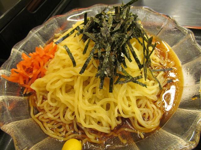 日高屋黒酢しょうゆ冷し麺の冷し麺