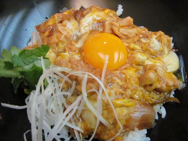 東急プラザ渋谷B2家族亭の親子丼セットの親子丼2