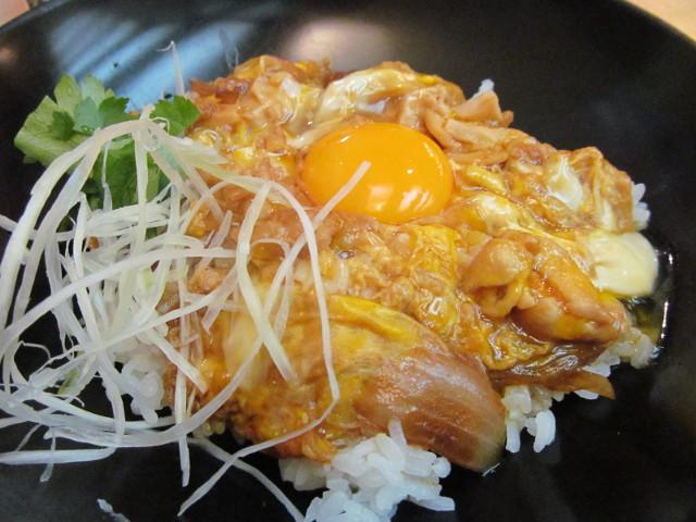 東急プラザ渋谷B2家族亭の親子丼セットの親子丼