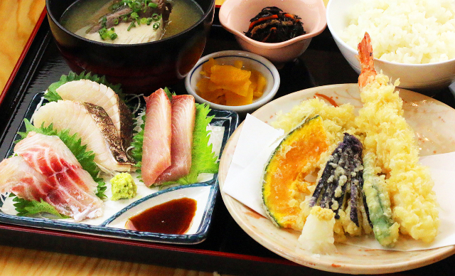 早川漁港漁師めし食堂天ぷら地魚刺身定食