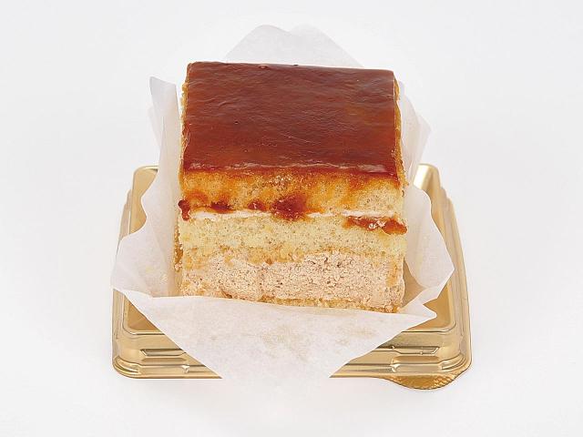 四角い黒糖ケーキ