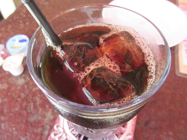 KARIYUSHICOFFEESTANDアイスコーヒーLのアップ