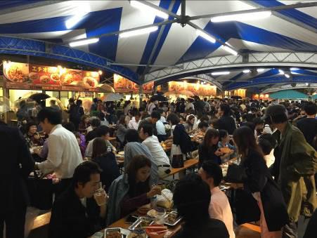 激辛グルメ祭り2014賑わう客席の様子2