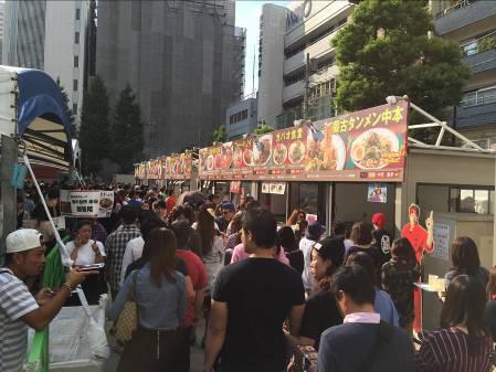 激辛グルメ祭り2014活気あふれる各店舗