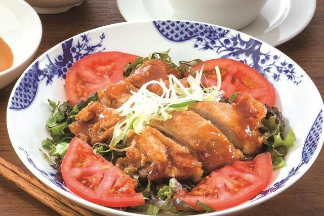 バーミヤン九州産若鶏の油淋鶏花椒辣油金胡麻ソース