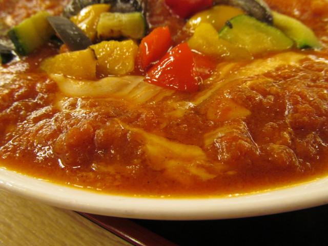 松屋夏野菜チーズトマトカレー大盛のチーズ