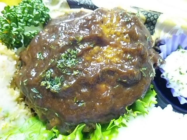 二層仕立ての煮込みハンバーグ弁当の煮込みハンバーグ