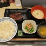 吉野家麦とろ鰻皿御膳ご飯大盛サムネイル
