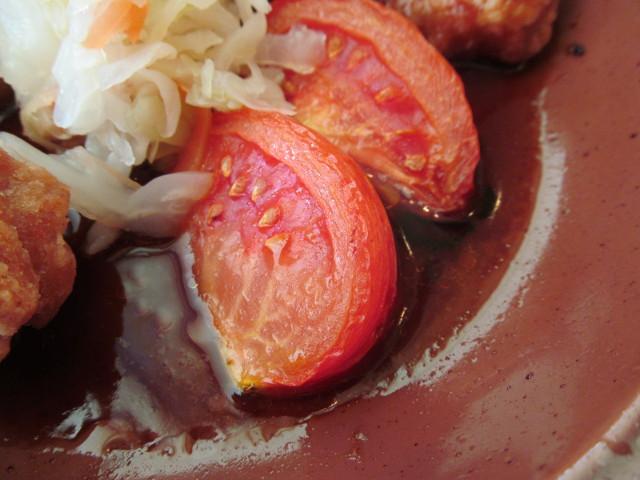 サイゼリヤ鶏肉のオーブン焼きのトマト