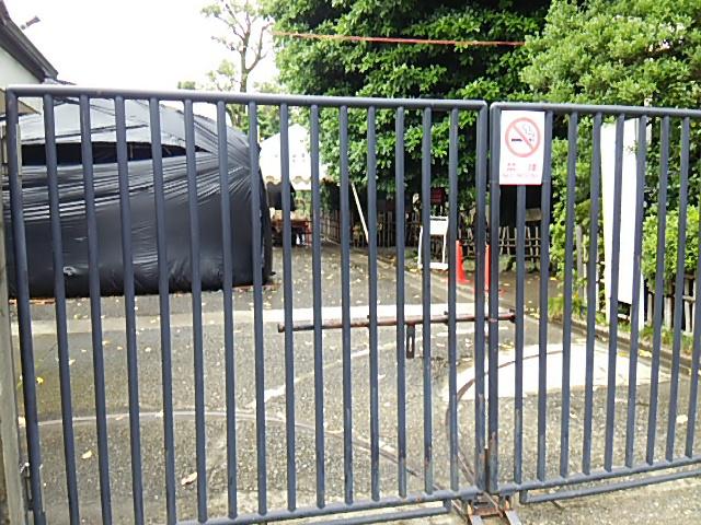 ホタル祭りとサギ草市2015前日朝まだ扉が閉まっています