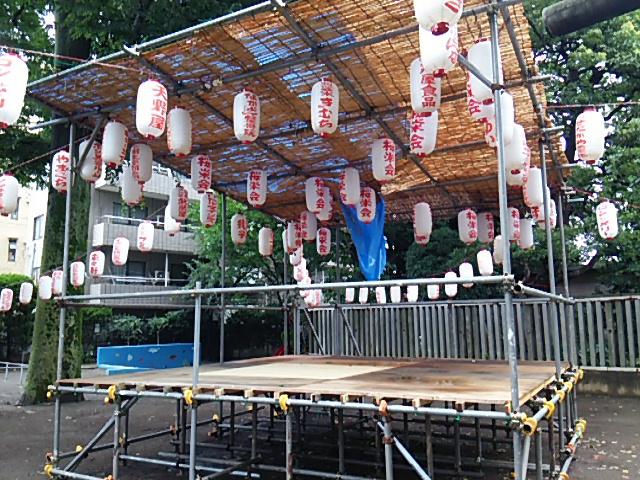 ホタル祭りとサギ草市2015前日朝の組まれた櫓2