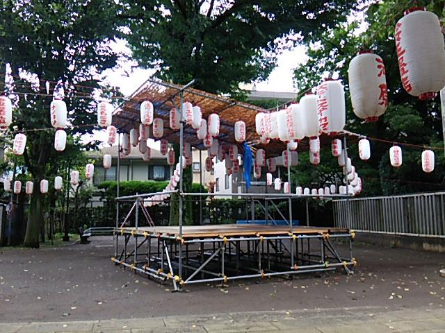ホタル祭りとサギ草市2015前日朝の組まれた櫓4
