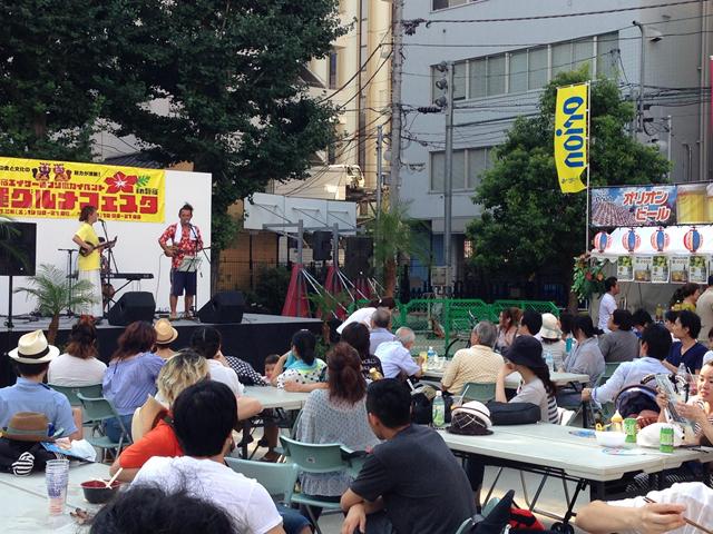 沖縄グルメフェスタ2014のステージの様子