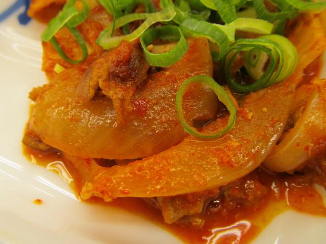 松屋豚キムチ定食ライス大盛の玉ねぎ