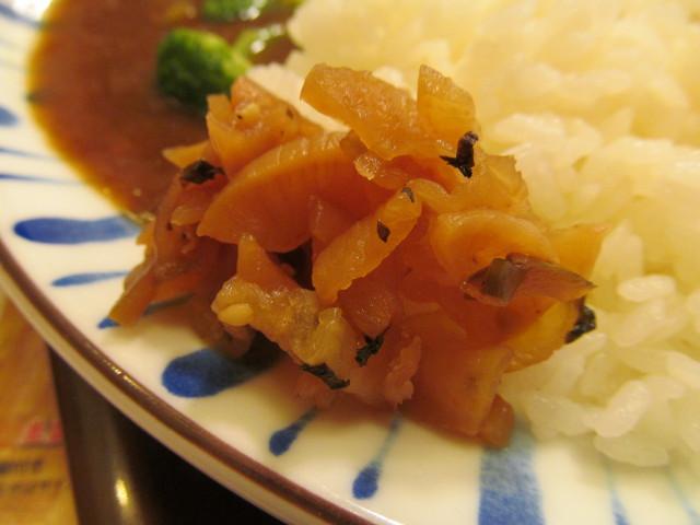 すき家チキンと彩り野菜カレーの福神漬け